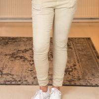 Fem Fashion-Lange-Creme-B